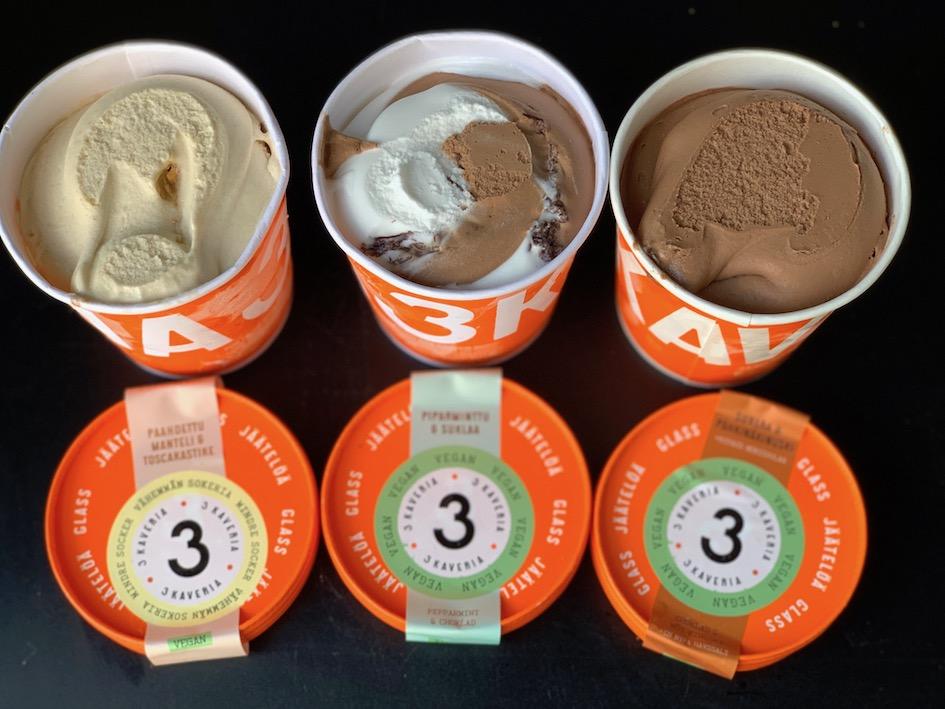 jäätelö. vegaanijäätelö, kolmekaveria, pirtelö, vegaani, vegaaninen, jäde